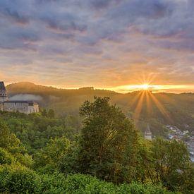 Castle Vianden in Luxembourg van Michael Valjak