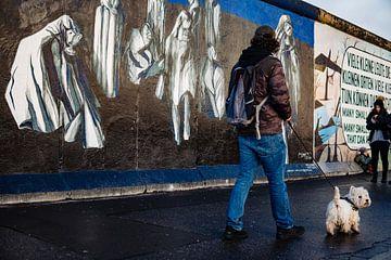 De East Side Gallery hond van Martijn de Voogd