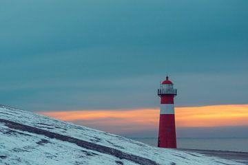 Westkapelle Leuchtturm bei Sonnenuntergang von Eugenlens