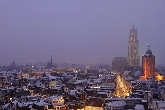 De binnenstad van Utrecht tijdens een mistige Valentijnsavond van  Donker Utrecht