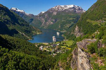 Uitzicht op de Geirangerfjord, Noorwegen [2] van Adelheid Smitt