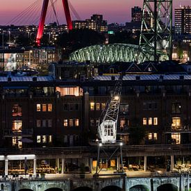 Les ponts de la ville de Rotterdam en soirée sur Edwin Muller