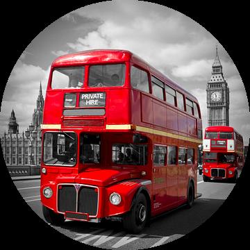 LONDON Red Buses on Westminster Bridge van Melanie Viola