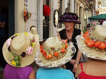 Chapeau Buren, hoeden in vele soorten en maten. van M  van den Hoven