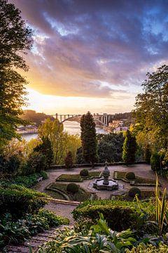 Parc avec une belle vue à Porto, Portugal sur Evelien Oerlemans