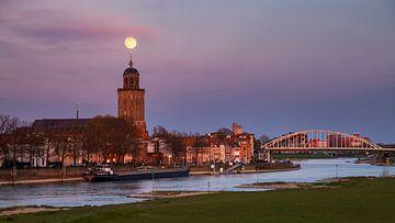 Pleine lune sur Deventer, Pays-Bas sur Adelheid Smitt
