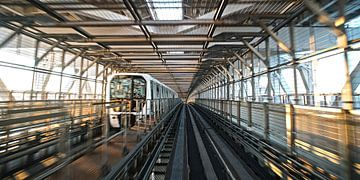 Metro in Toky von Stefan Havadi-Nagy
