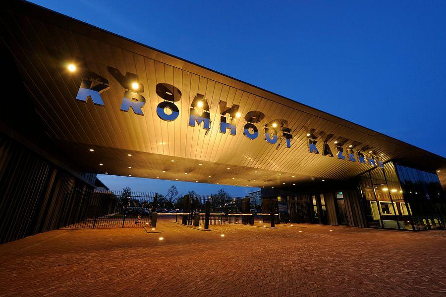 Het poortgebouw van de Kromhout Kazerne aan de Herculeslaan in Utrecht
