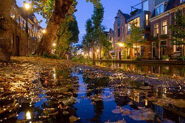 Avond in Utrecht Oudegracht, Vollersbrug en Twijnstraat aan de Werf