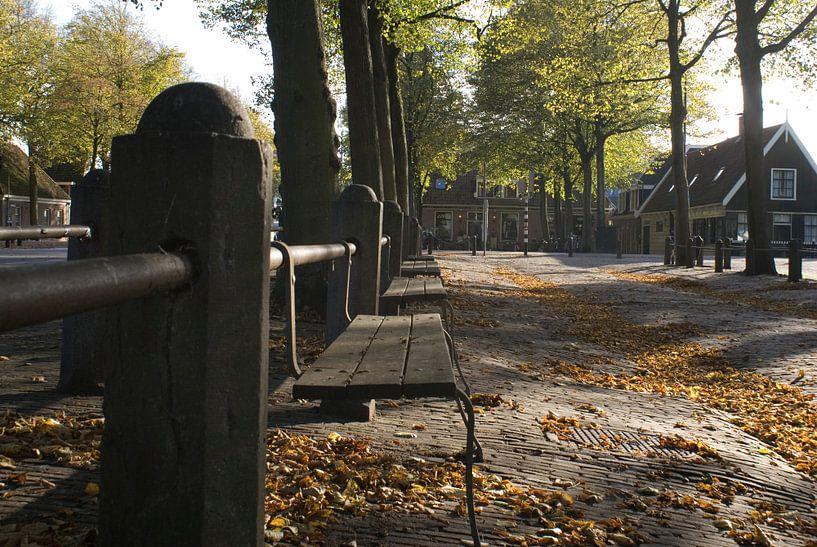 Herfst op het plein (2) van Bas Smit