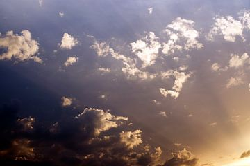 Wolkenstralen van Lonneke Prins