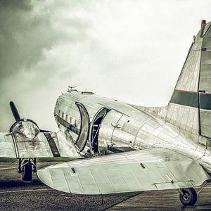 Douglas DC-3 propellervliegtuig met vintage retro look