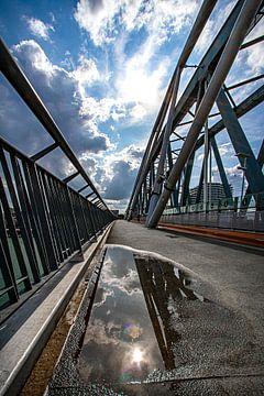Pont ferroviaire de Nimègue sur Nicky Kapel