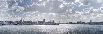 Zicht op Dordrecht en Zwijndrecht van Jeroen van Alten
