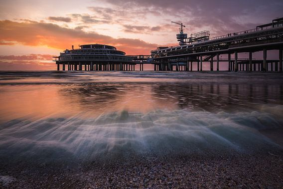 Zonsondergang Scheveningen Pier van Edwin Mooijaart
