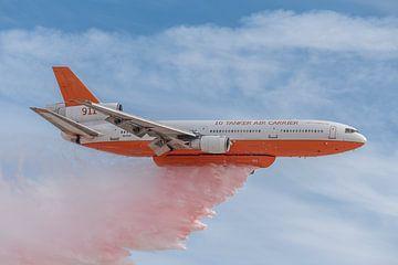 De DC-10 Air Tanker is sinds 2006 in dienst zijn als luchtbrandweereenheid. Het toestel hier op de f van Jaap van den Berg