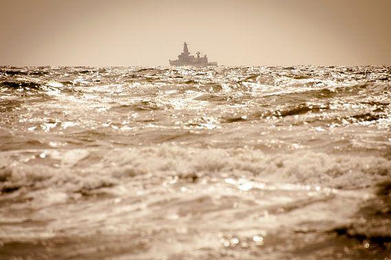 Leaving Port van Alex Hiemstra