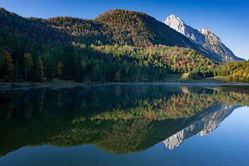 Spiegelung der Oberen Wettersteinspitze