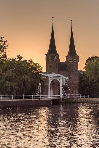 Delft - Oostpoort bij zonsondergang