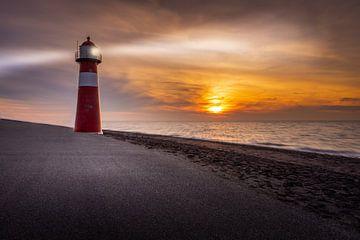 Der Leuchtturm Noorderhoofd, Westkapelle, Zeeland von Dennis Donders