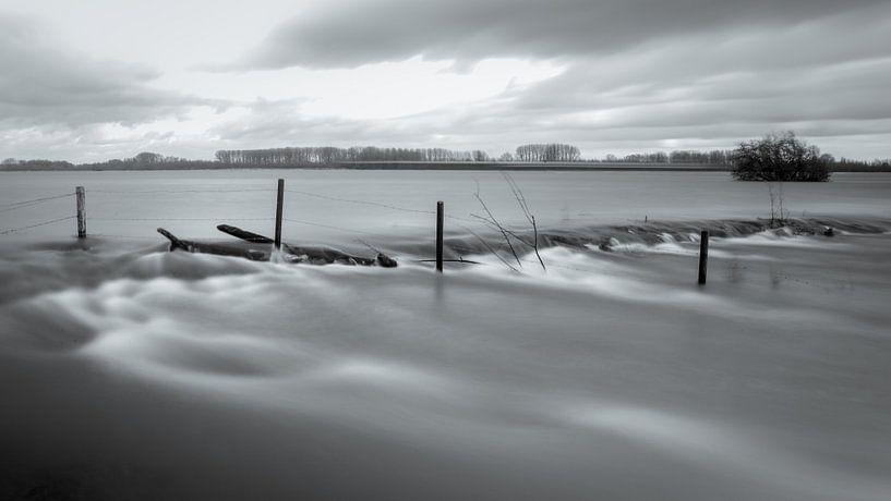 Hoog water van Sander van Mierlo