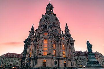 Dresen de Frauenkirche in de ochtend van Marc-Sven Kirsch