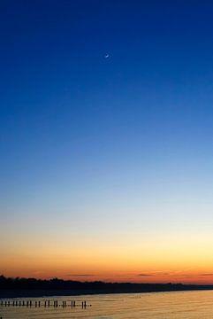 Ostsee mit Mond von Thomas Jäger