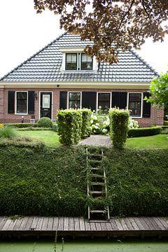 Boerderij met aanlegplaats in Twisk, Westfriesland van Kees van Dun