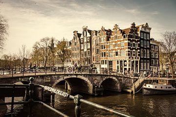 Amsterdam, bruggen en kanalen van Jellie van Althuis