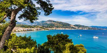 Menton aan de Côte d'Azur in Frankrijk van Werner Dieterich