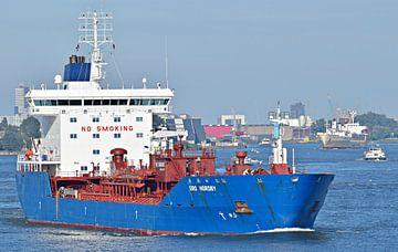 Zeetanker Bro Nordby van Piet Kooistra