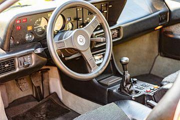 BMW M1 klassieker jaren zeventig sportwagen interieur van Sjoerd van der Wal