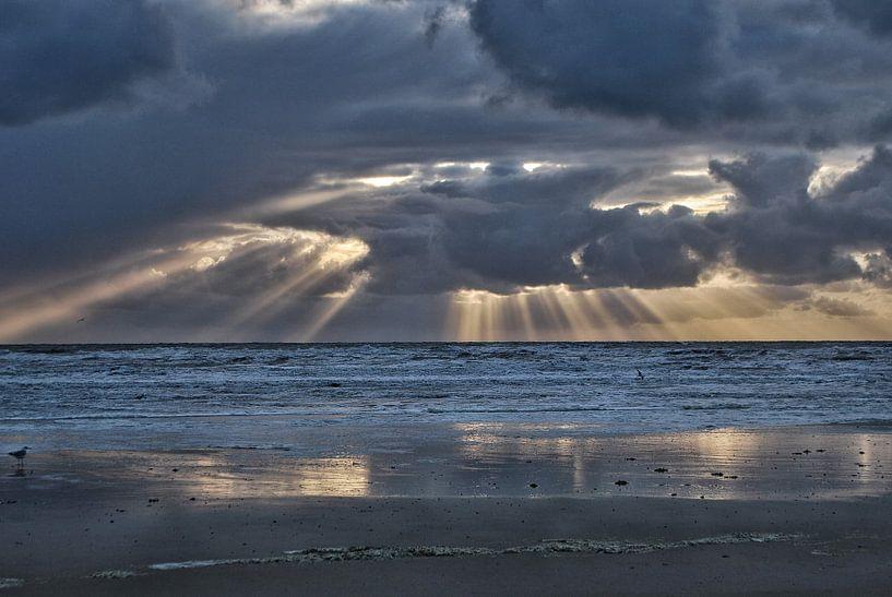 Duistere zonsondergang von Louis Kreuk