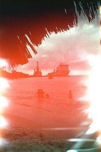 Versehentlich belichteter Film | Strand Curacao von Lynn van Gijzel