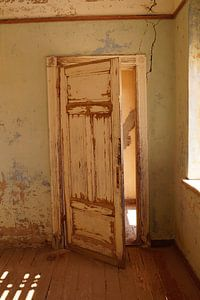 Vervallen deur