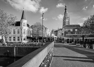 Stadsgezicht Breda Hoge Brug von JPWFoto