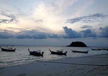 Sonnenaufgang Thailand van Pünktchenpünktchen Kommastrich