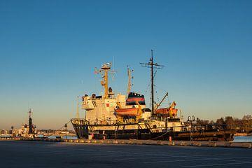 Der Stadthafen in Rostock am Morgen von Rico Ködder