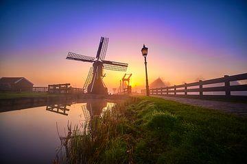 Kleine Windmühle auf der Zaanse Schans von Peter de Jong