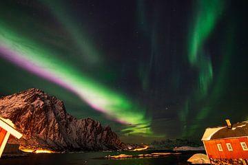 Aurora bei Svolvaer oberhalb der Bucht. von Abe Maaijen