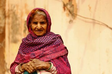 In de straten van Delhi van Vivian Raaijmaakers