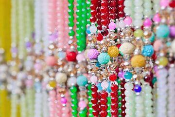 Reihe von modischen verzierten mehrfarbig Perlenstränge von Tony Vingerhoets
