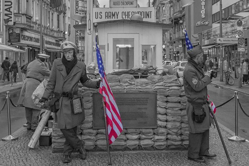 Checkpoint Charlie van Foto Amsterdam / Peter Bartelings