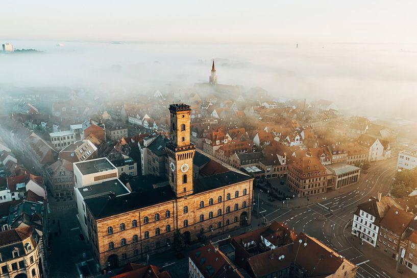 L'hôtel de ville de Fürth dans le brouillard sur Faszination Fürth