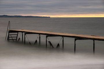Jetée sur la côte est du Danemark sur Wilfried-Reinhard Köhn