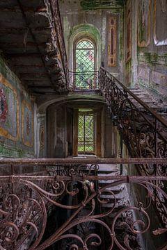 Des escaliers avec de la mousse sur dafne Op 't Eijnde
