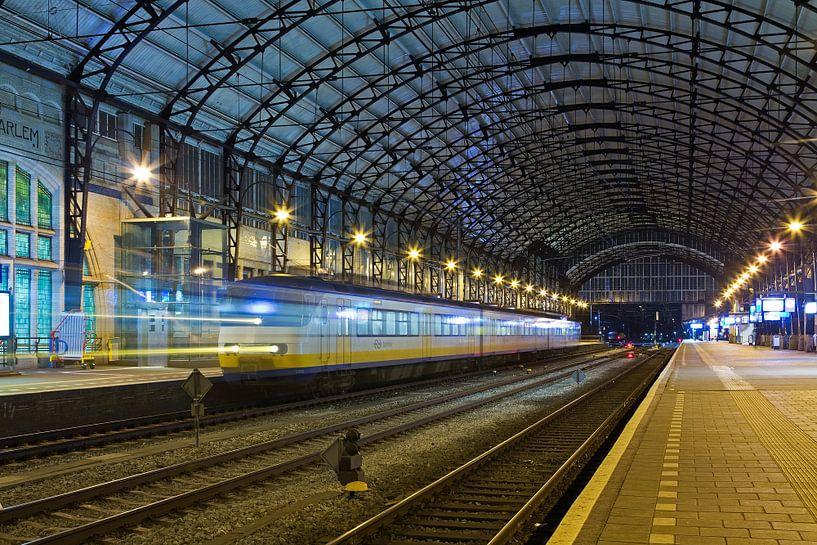 Station Haarlem van Anton de Zeeuw