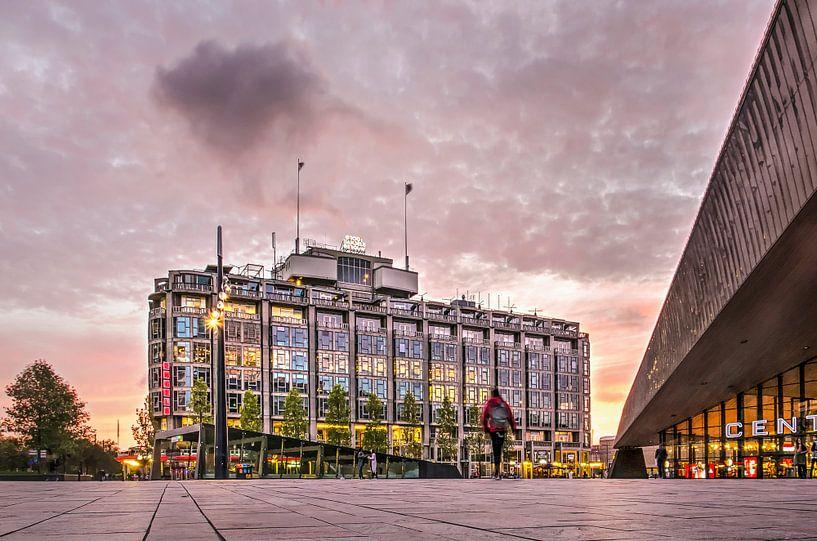 Groothandelsgebouw en Centraal Station van Frans Blok