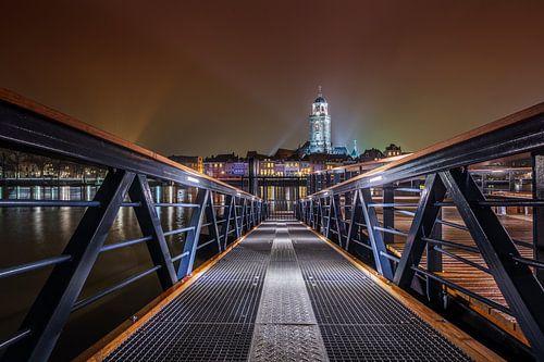 Deventer Skyline at Night met loopbrug van
