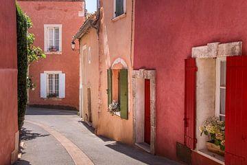Okergekleurde huizen in de Roussillon, Provence van Christian Müringer